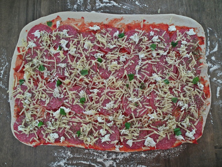 pizza_pizzablomst_pizzakrans_pizzawreath_pizzasnurrer_oppskrift_bakemagi