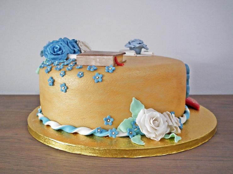 konfirmasjon_konfirmasjonskake_kake_marsipankake_marsipan_sjokolade_sjokoladekake_fondant_bibel_tro_håp_kjærlighet_marsipanroser_gull_gullkake_5